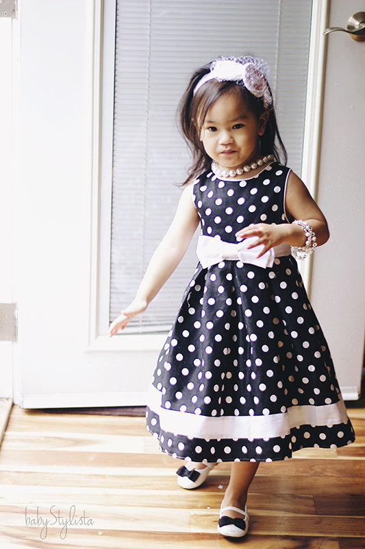 Black and White and Dots all Over – Looks for Mommy and Me #WordlessWednesday #Linky