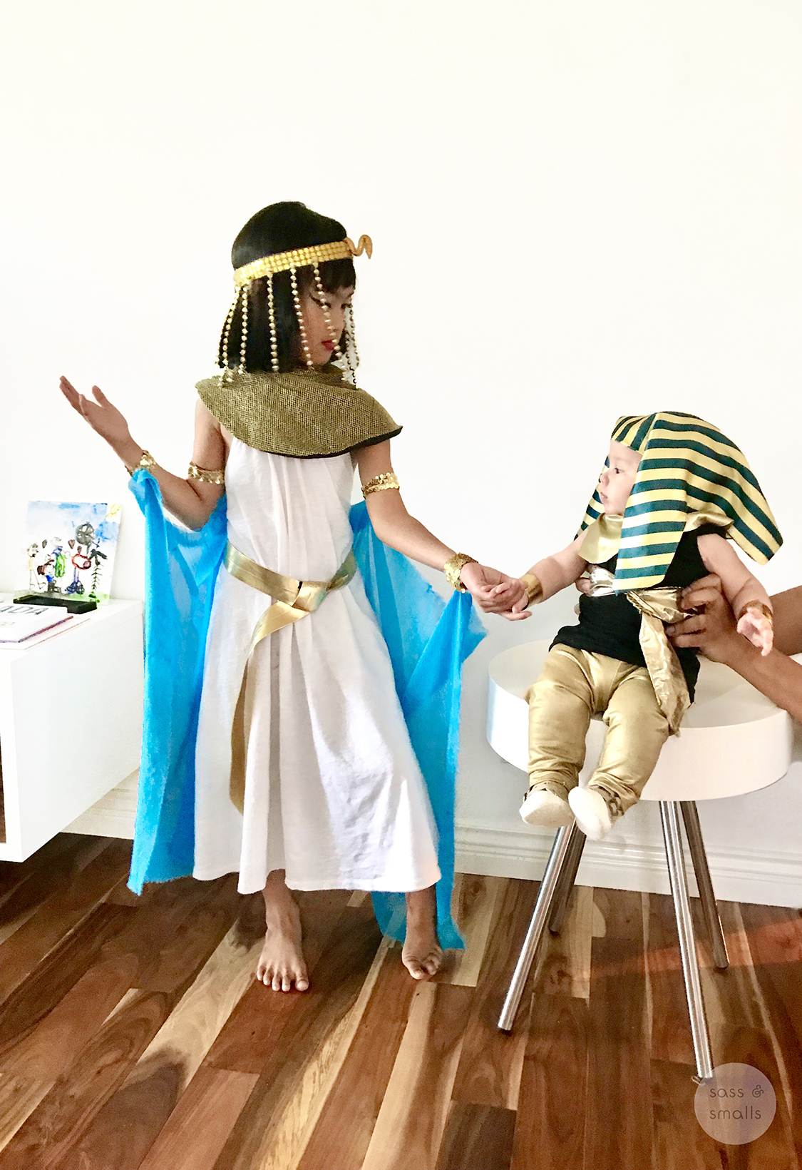 Diy Kids Cleopatra And King Tut Halloween Costumes Encouraging Kids To Create Sass Smalls